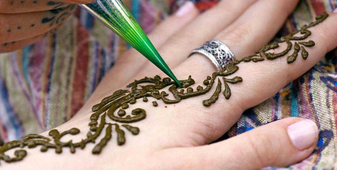 Mehndi Artist : How to make your career as a mehndi artist u business owners daily